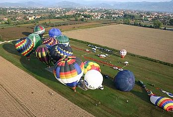 Mongolfiere in volo